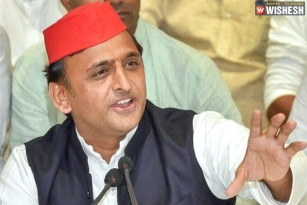 Akhilesh Yadav Confirms Lone Battle in Polls