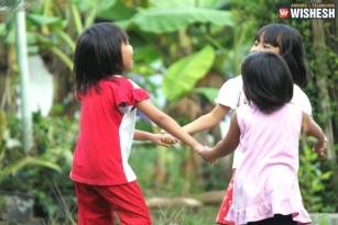 Children Interaction Leads to a Better Language Learning Experience