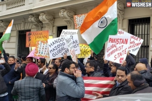 Hundreds Of Angry Indians Protest In New York Against Pulwama Attack