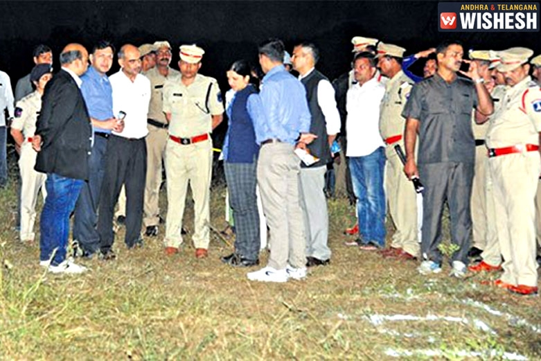 SIT Investigating the Probe in Shadnagar Encounter