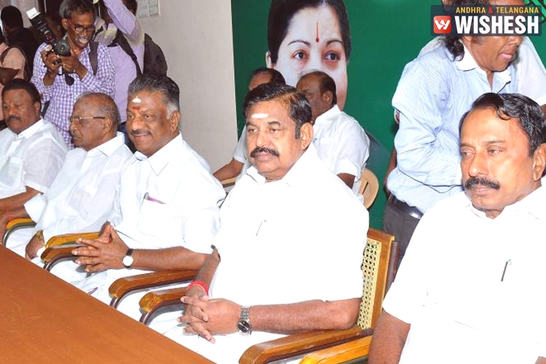 Sasikala Likely To Be Sacked On Sep 12 General Council Meet