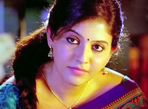 Anjali wins Venky's heart... bags another opportunity